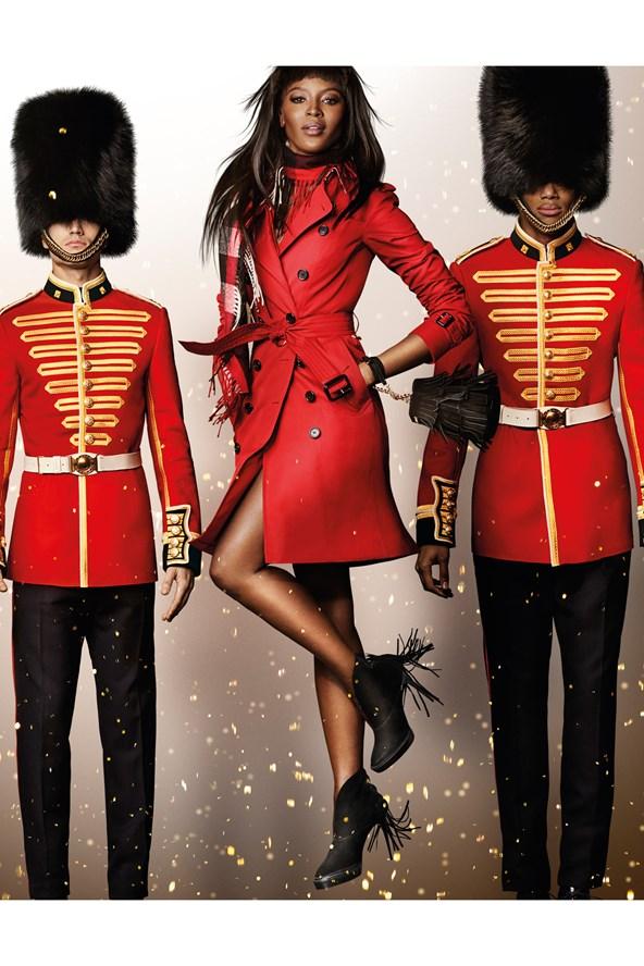 Naomie-Campbell-Burberry-Campaign-Vogue-30Oct15-Mario-Testino_b_592x888