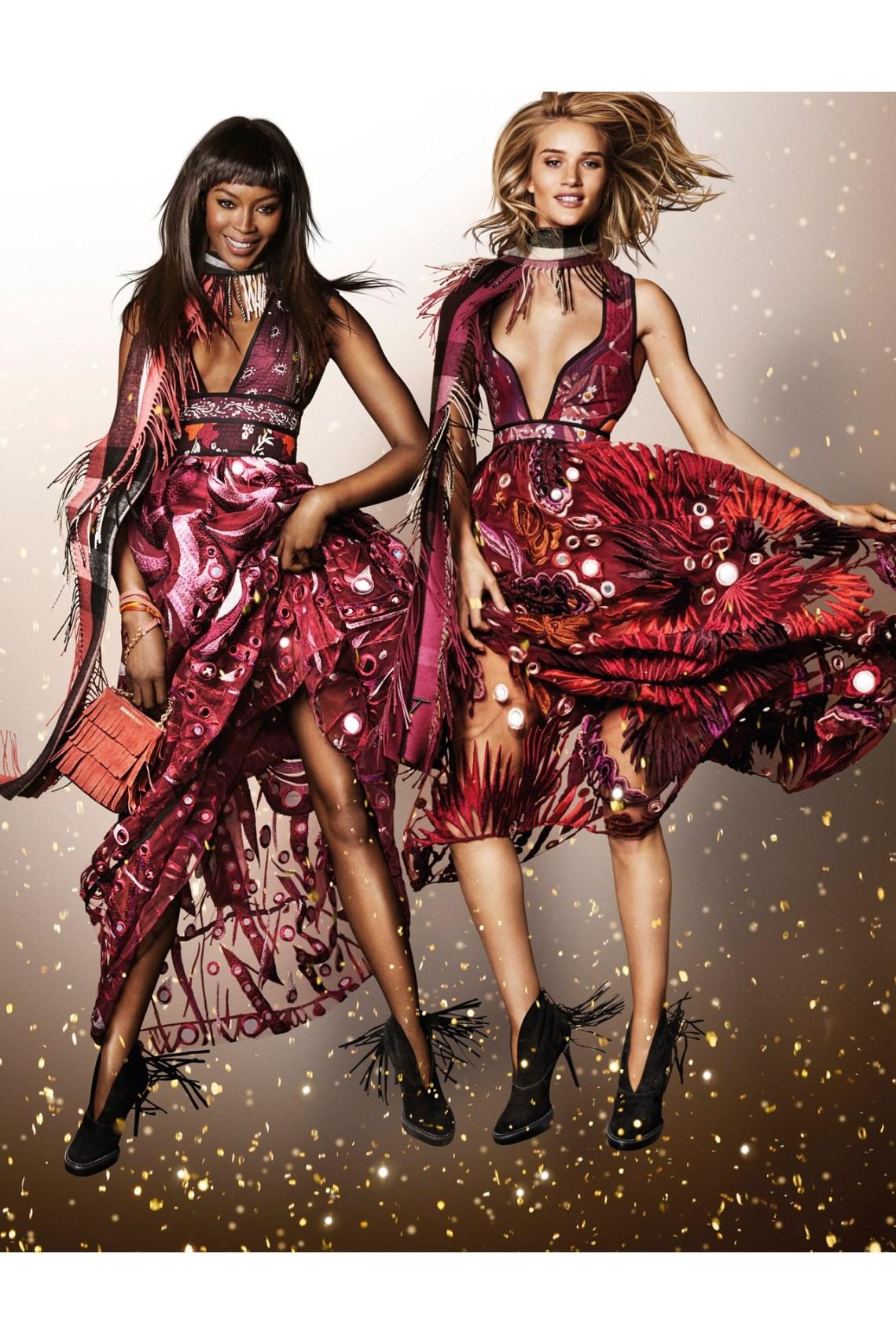 Naomie-Campbell-Rosie-Huntington-Whiteley-Burberry-Campaign-Vogue-30Oct15-Mario-Testino_b