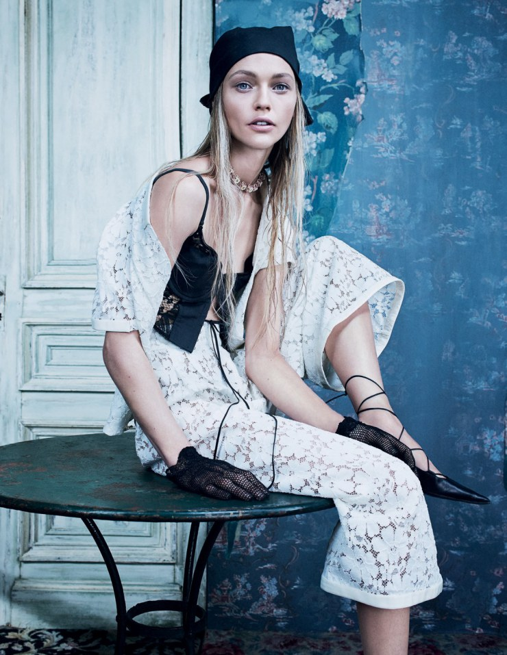 sasha-pivovarova-by-emma-summerton-for-w-magazine-korea-december-2015-1