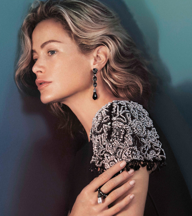carolyn-murphy-by-david-sims-for-oscar-de-la-renta-fall-winter-2015-2016-0