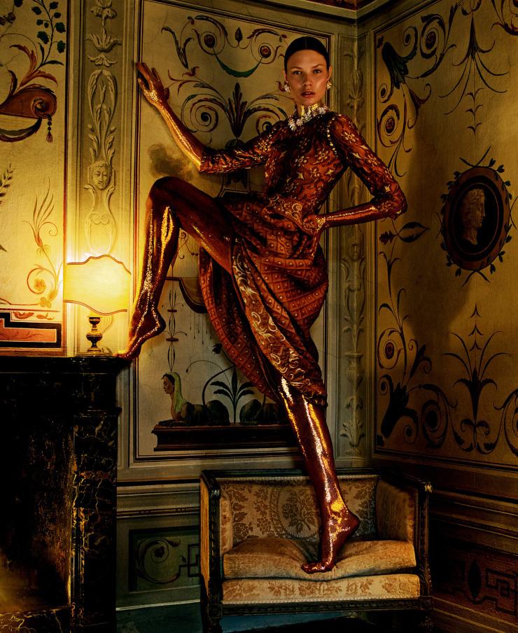 alexandra-martynova-by-andrew-yee-for-how-to-spend-it-magazine-november-2015-3