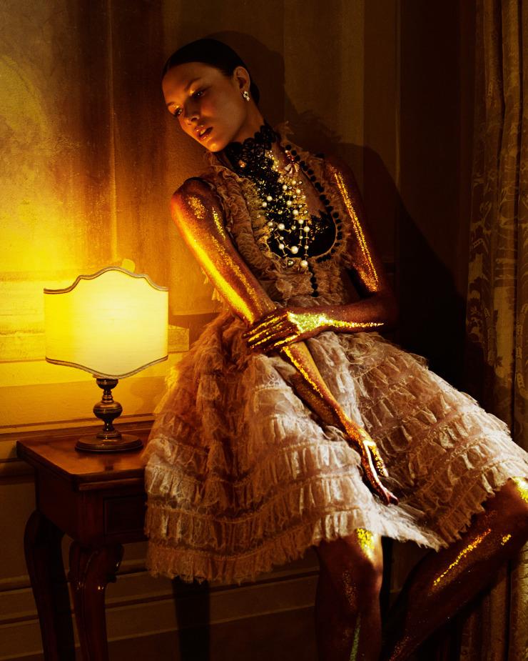 alexandra-martynova-by-andrew-yee-for-how-to-spend-it-magazine-november-2015-4