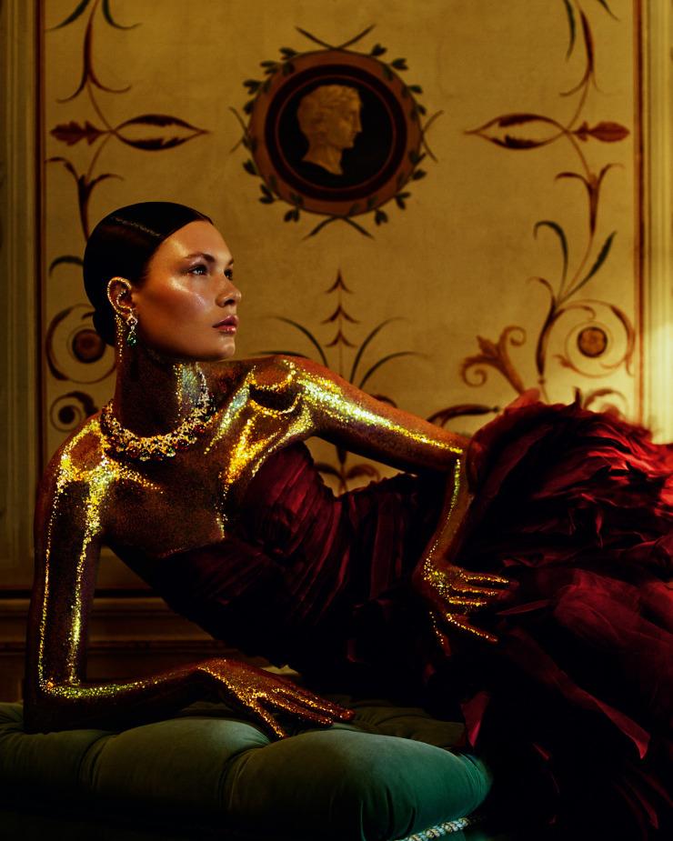 alexandra-martynova-by-andrew-yee-for-how-to-spend-it-magazine-november-2015-9