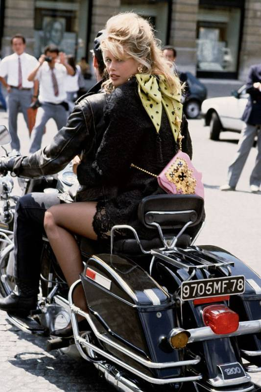 Vogue_100_A-Century_of_Style_Claudia-Schiffer-Paris-Herb-Ritts
