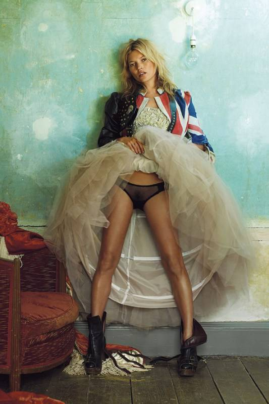 Vogue_100_A-Century_of_Style_Kate-Moss-Mario-Testino
