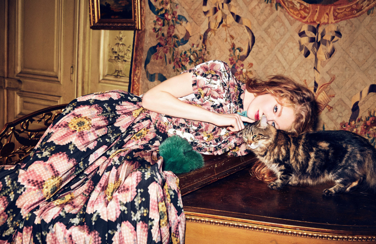 hollie-may-saker-by-ellen-von-unwerth-for-vogue-russia-april-2016-14
