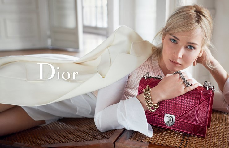 jennifer-lawrence-by-mario-sorrenti-for-dior-handbags-spring-summer-2016-2