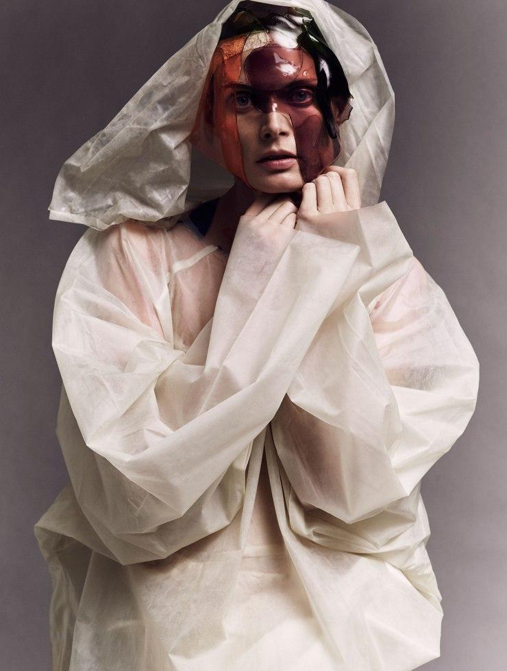malgosia-bela-by-iango-henzi-and-luigi-murenu-for-exhibition-magazine-spring-summer-2016-10