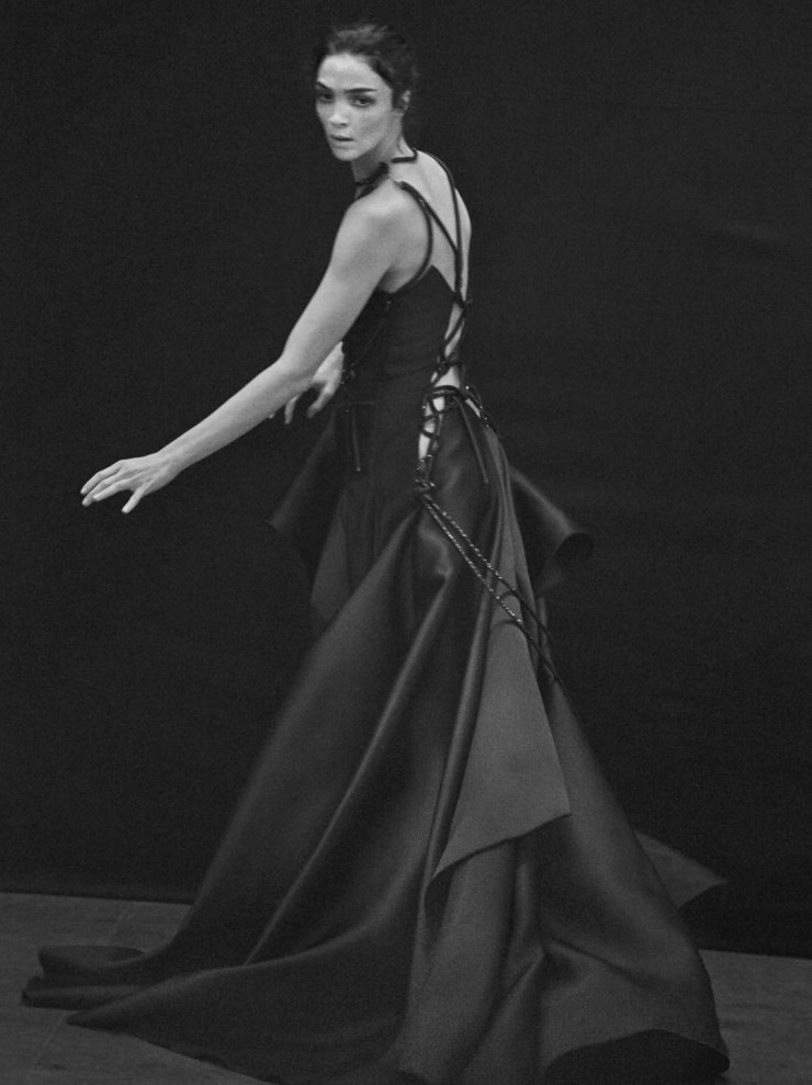 mariacarla-boscono-by-peter-lindbergh-for-vogue-italia-march-2016-11