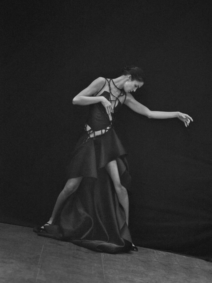 mariacarla-boscono-by-peter-lindbergh-for-vogue-italia-march-2016-12