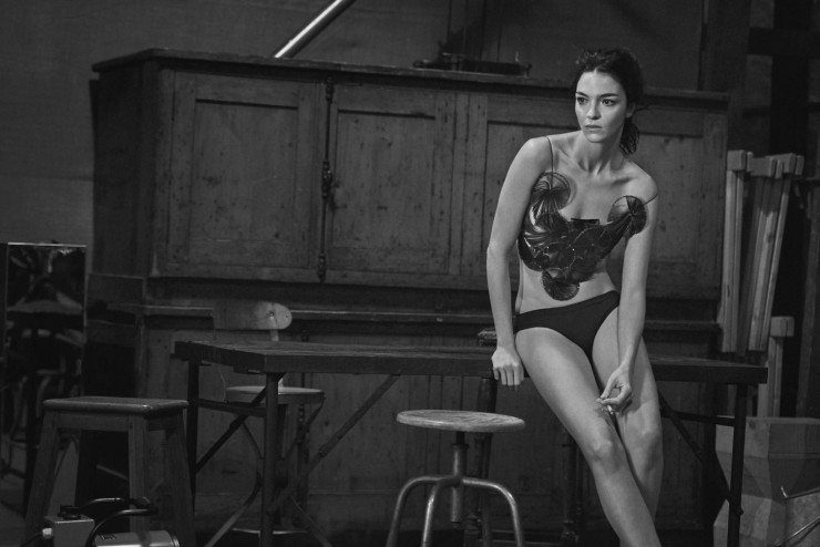 mariacarla-boscono-by-peter-lindbergh-for-vogue-italia-march-2016-7