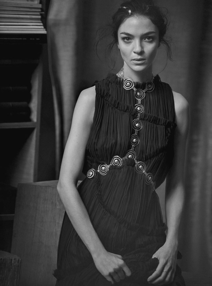 mariacarla-boscono-by-peter-lindbergh-for-vogue-italia-march-2016