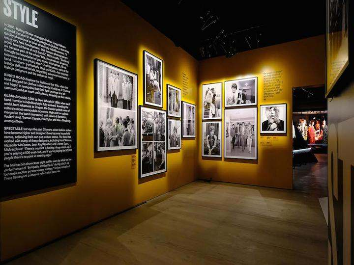 15-Exhibitionism-Rolling-Stones-Saatchi_oggetto_editoriale_720x600