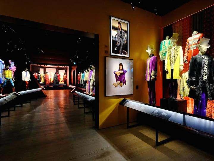 17-Exhibitionism-Rolling-Stones-Saatchi_oggetto_editoriale_720x600