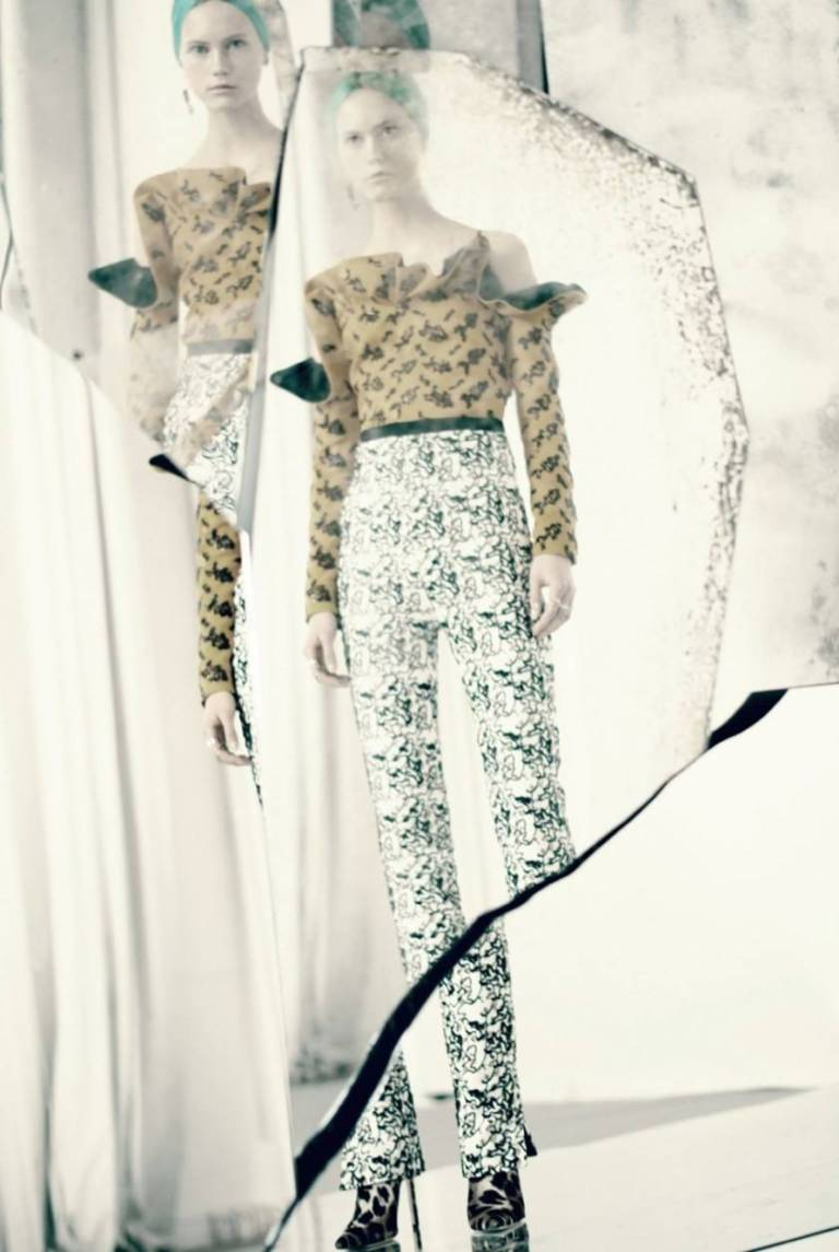 DIOR-MAGAZINE-Mirror-Mirror-by-Paolo-Roversi.-Jacob-K-Summer-2016-www.imageamplified.com-Image-A-2