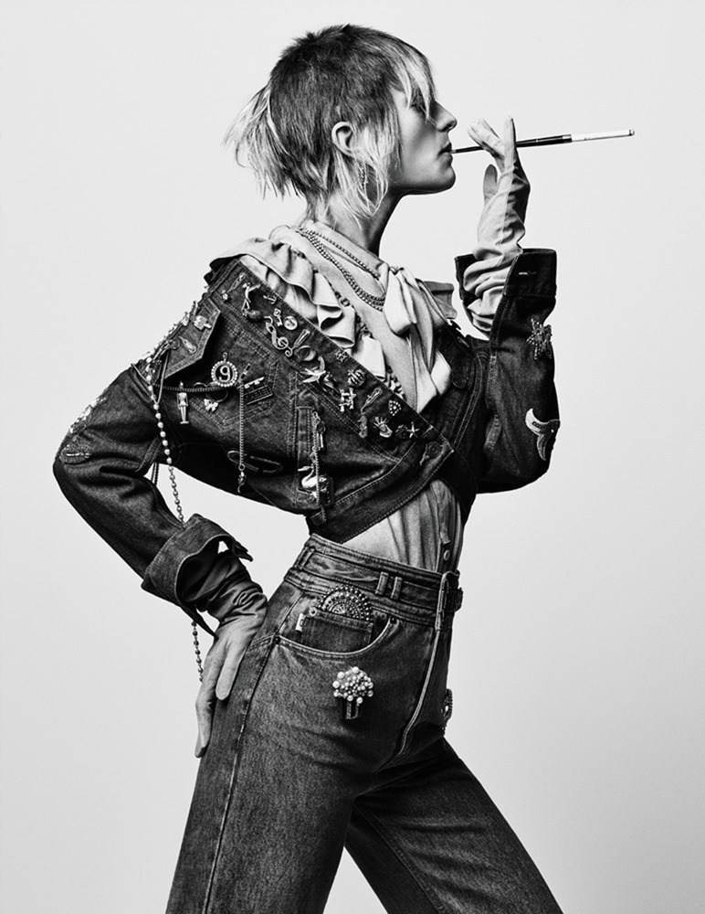 INTERVIEW-MAGAZINE-Pose-by-Craig-McDean.-Karl-Templer-May-2016-www.imageamplified.com-Image-Ampl-1