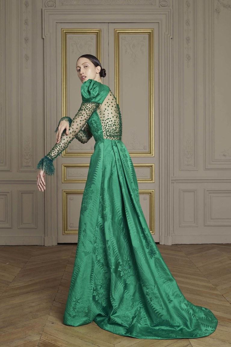 02-giles-deacon-couture