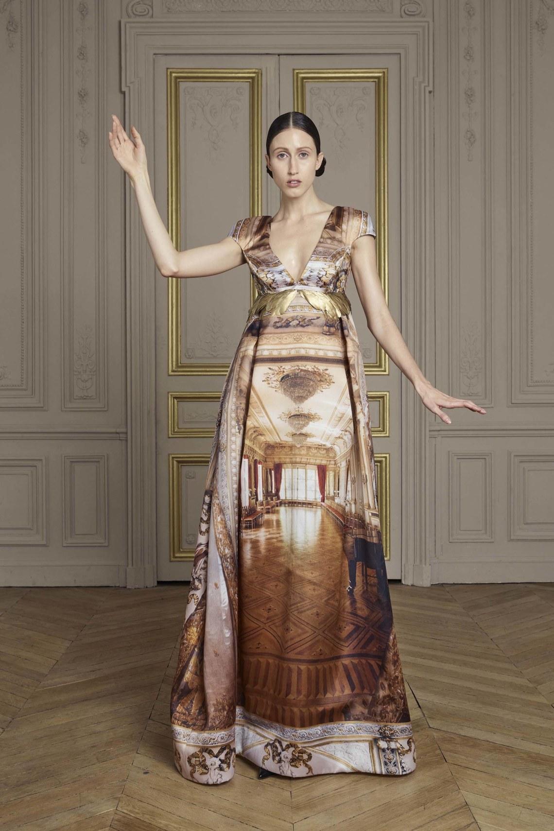 10-giles-deacon-couture