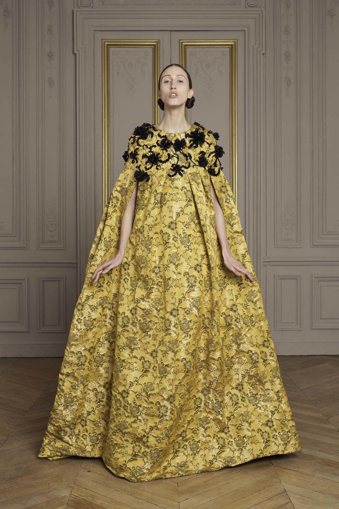 12-giles-deacon-couture