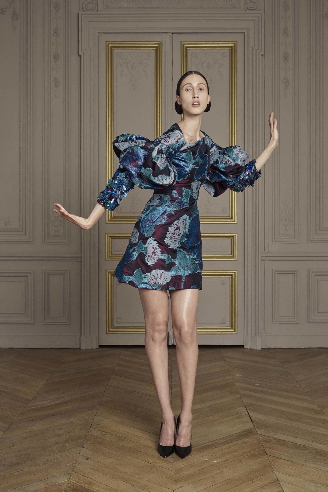 25-giles-deacon-couture