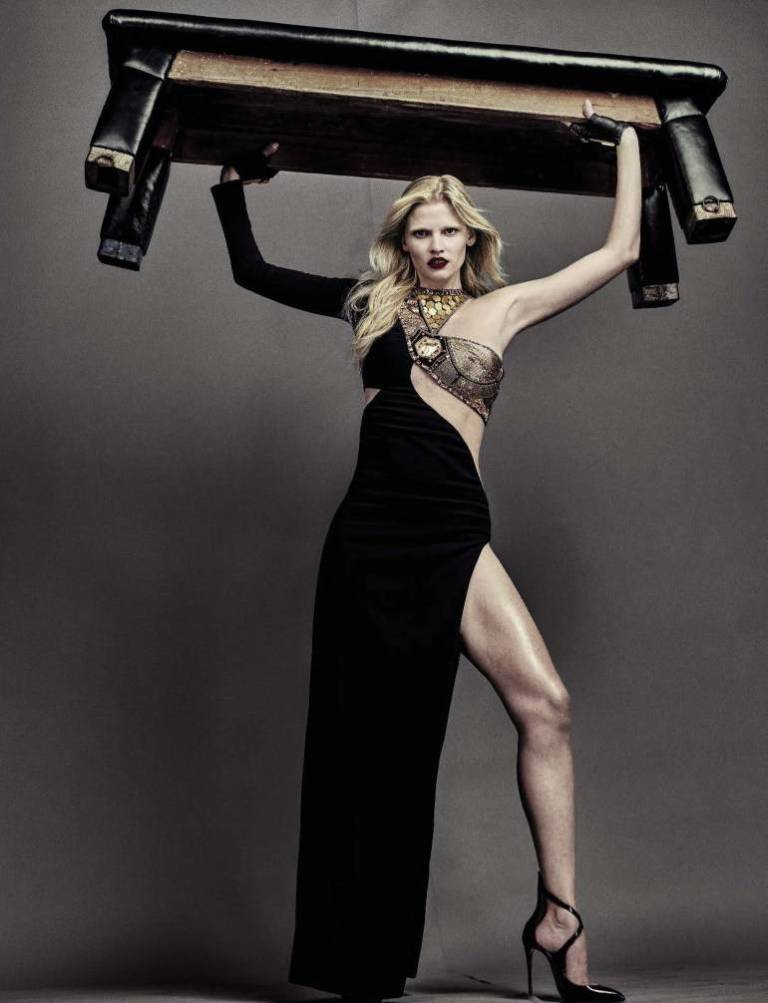 Vogue-Italia-August-2016-Lara-Stone-by-Steven-Klein-00-1