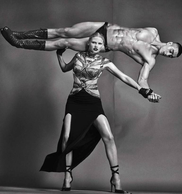 Vogue-Italia-August-2016-Lara-Stone-by-Steven-Klein-00b