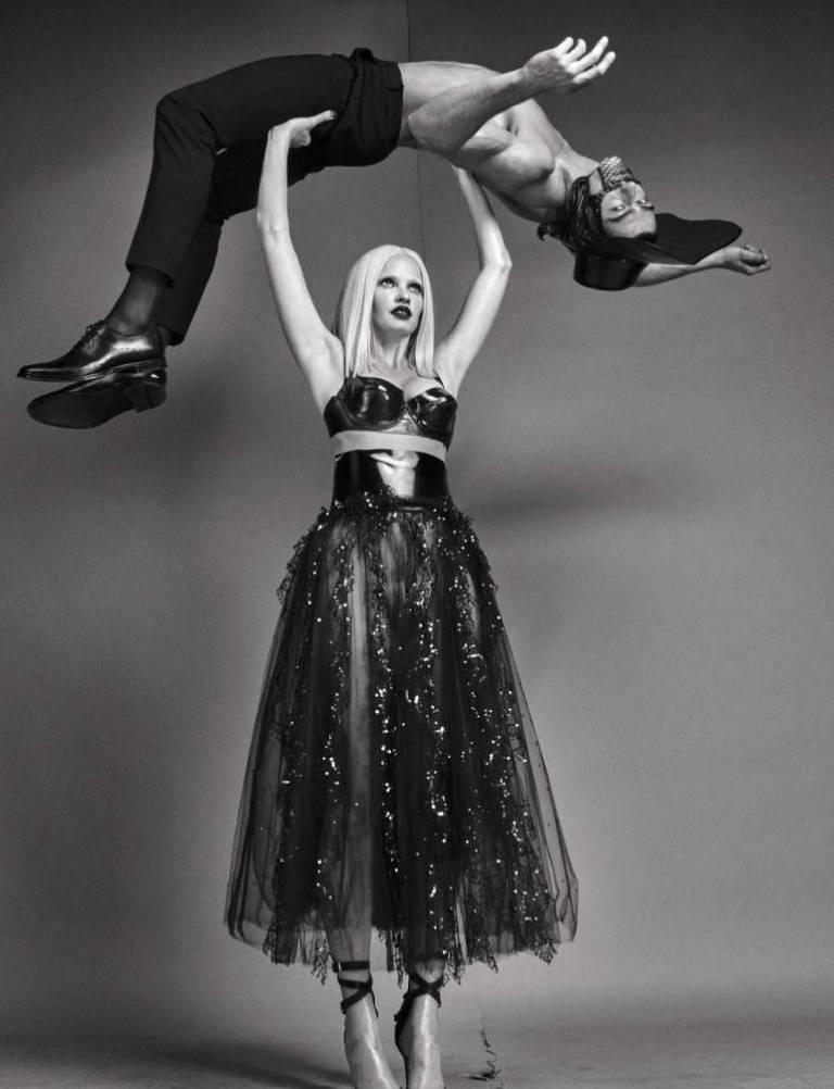 Vogue-Italia-August-2016-Lara-Stone-by-Steven-Klein-08