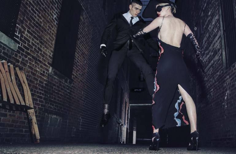 Vogue-Italia-August-2016-Lara-Stone-by-Steven-Klein-11-1