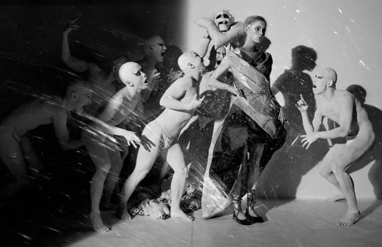an-artist-of-the-floating-world-by-tim-walker-for-vogue-uk-dec-2016-20