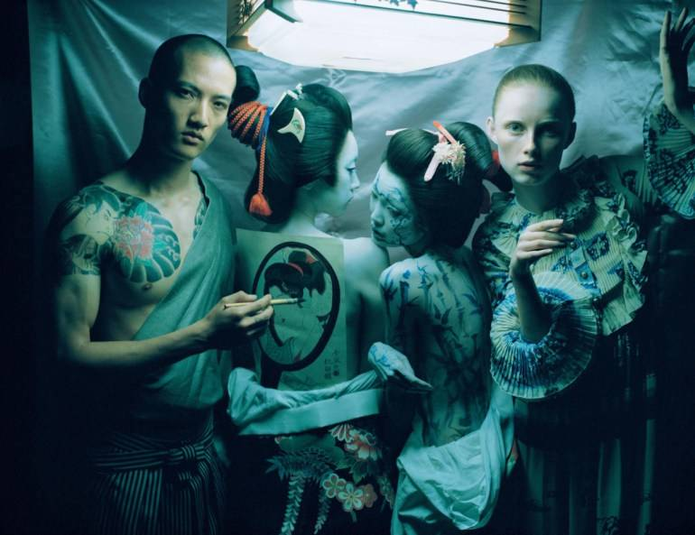 an-artist-of-the-floating-world-by-tim-walker-for-vogue-uk-dec-2016-22