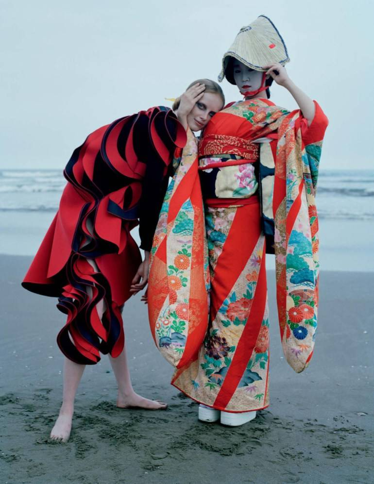 an-artist-of-the-floating-world-by-tim-walker-for-vogue-uk-dec-2016-26