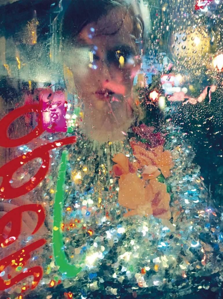 vogue-uk-december-2016-rianne-van-rompaey-by-tim-walker-01