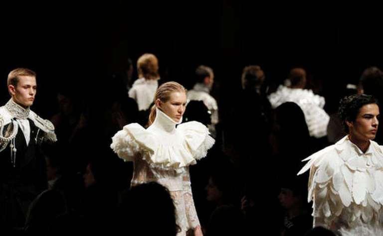 aptopix_britain_london_fashion_week_burberry_95083