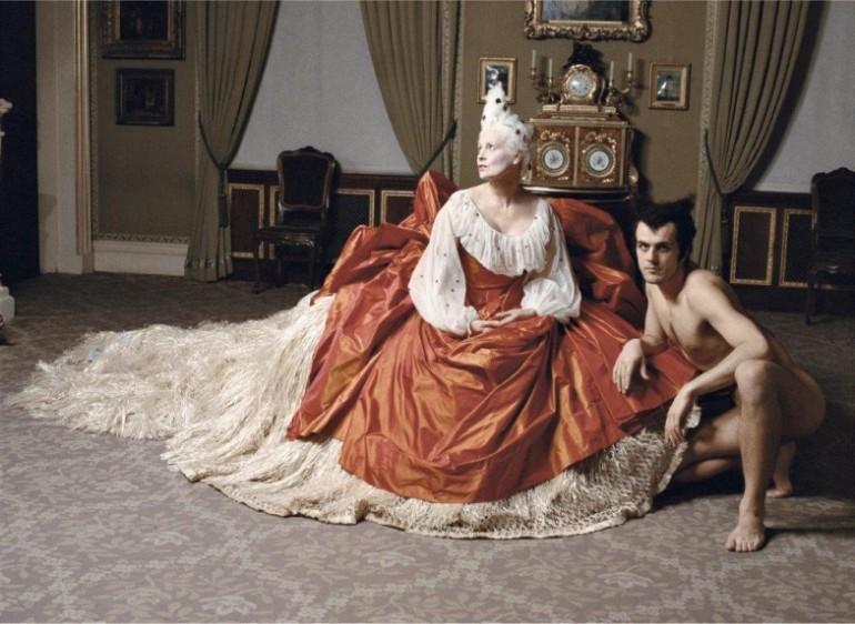 Vivienne-Westwood-©-Jean-Marie-Perier-784x573